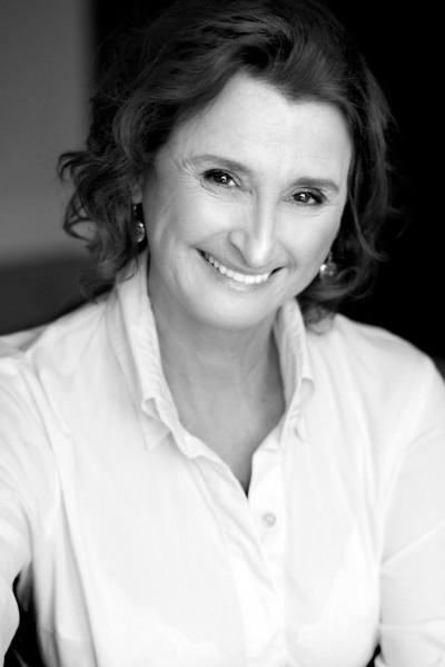 "Pierrette Robitaille | Photo : <a href=""http://www.julieperreaultphotographe.com/biographie-julie-perreault-photographe.html"" target=""_blank"">Julie Perreault Photographe</a>"